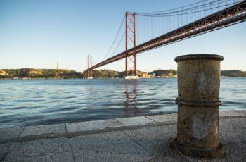 abril-1865578_1920-350x230 Reconhecimento judicial da união de facto para obtenção da nacionalidade portuguesa