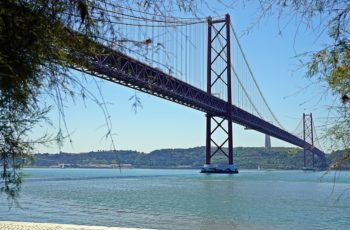 bridge-2646536_960_720-350x230 Processos de Nacionalidade Portuguesa no Brasil