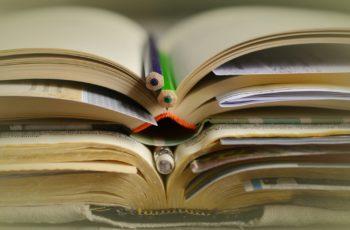 books-2158773_1920-350x230 Processo de revalidação de diplomas no Brasil