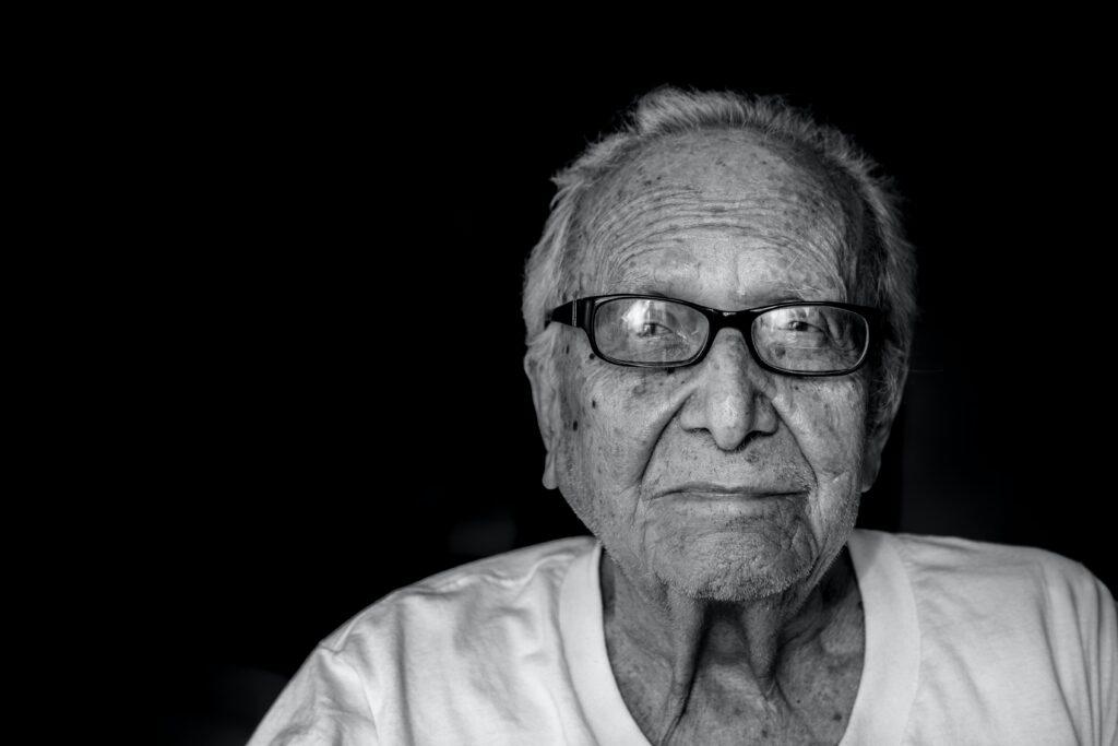 hermes-rivera-WUA7gY8pPZE-unsplash-1024x683 Complemento Solidário para idosos