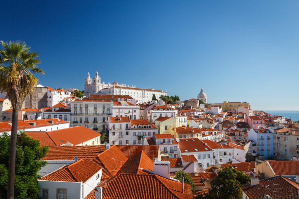city-4820579-1024x683 Residence visa for retirees in Portugal: the complete guide