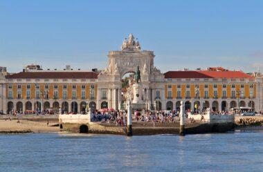 O que devo saber antes de viajar para Portugal?